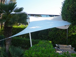 Voile d'ombrage triangle 5 x 5 x 5 m Blanche