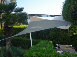 Voile d'ombrage triangle 5 x 5 x 5 m Taupe
